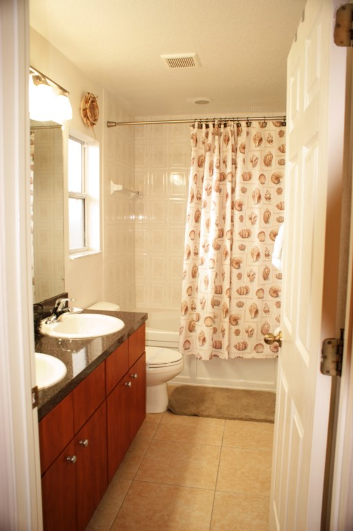 GraniteBathroomVacationRental