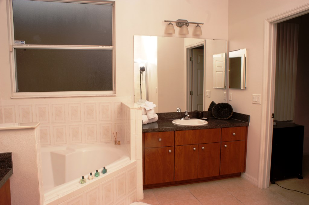 MasterBathroomOrlandoRental
