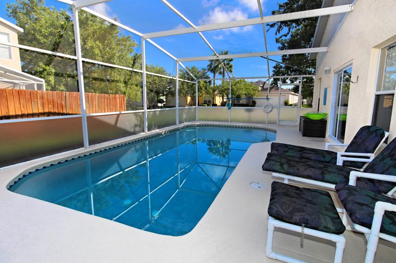 Pool(4)