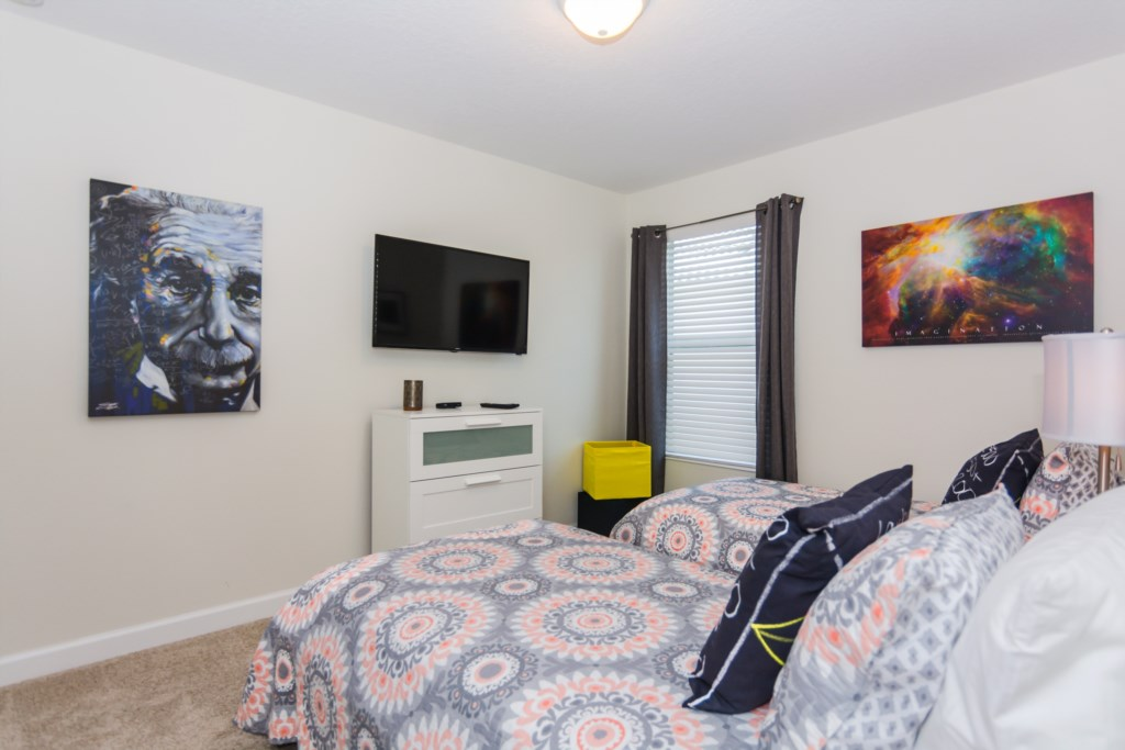 Einstein Twin Bedroom 1.jpg