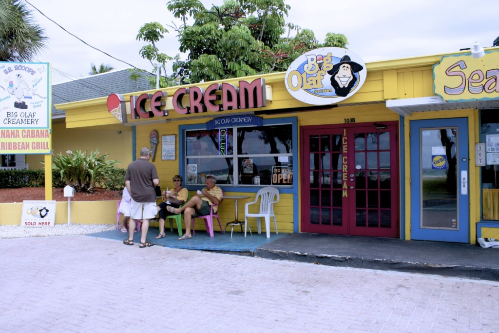 The best place to get icecream on the island just a few minutes walk from out condo
