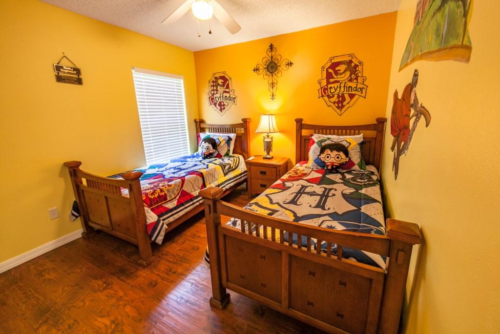 Twin Harry Potter Bedroom-2.jpg