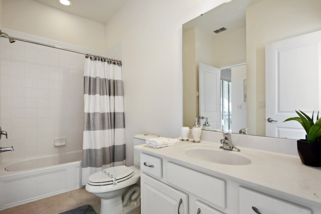 Bathroom 4.1