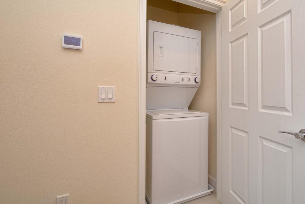 25-LaundryRoom