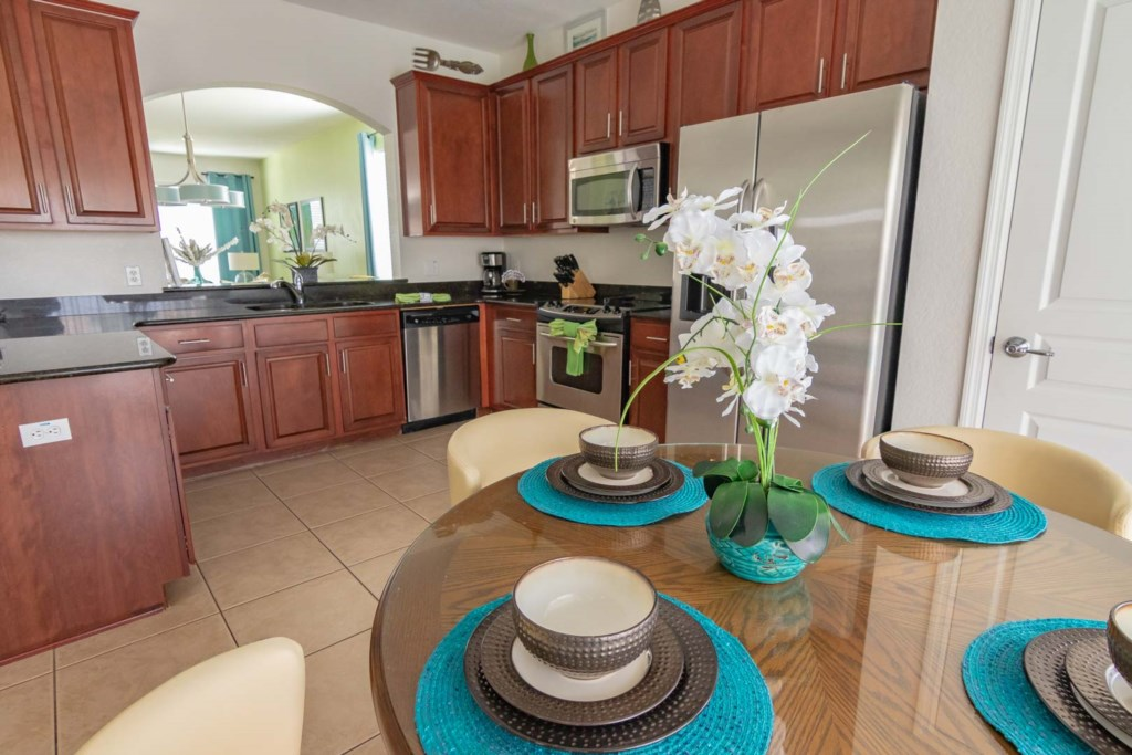 Adam's Elite Windsor Hills Villa - Kitchen & Breakfast Nook (1)