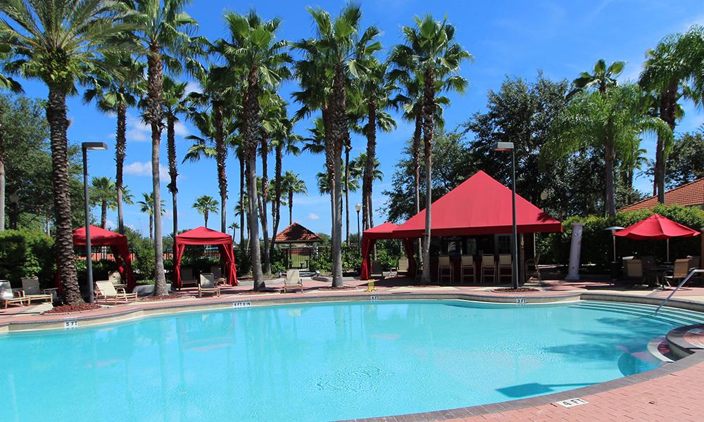 04 Pool and Tiki Bar.JPG