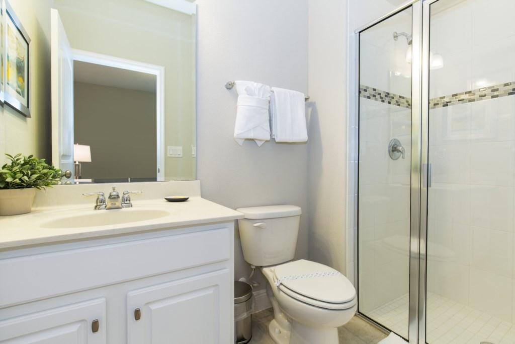 16_Bathroom_0721.jpg