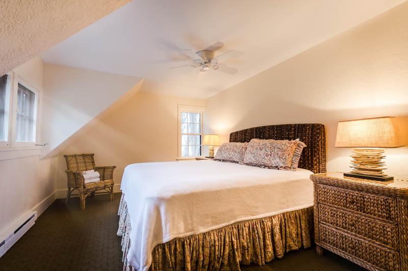 Bedroom #1 (King Bed)