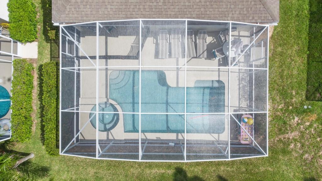 Pool24.jpg