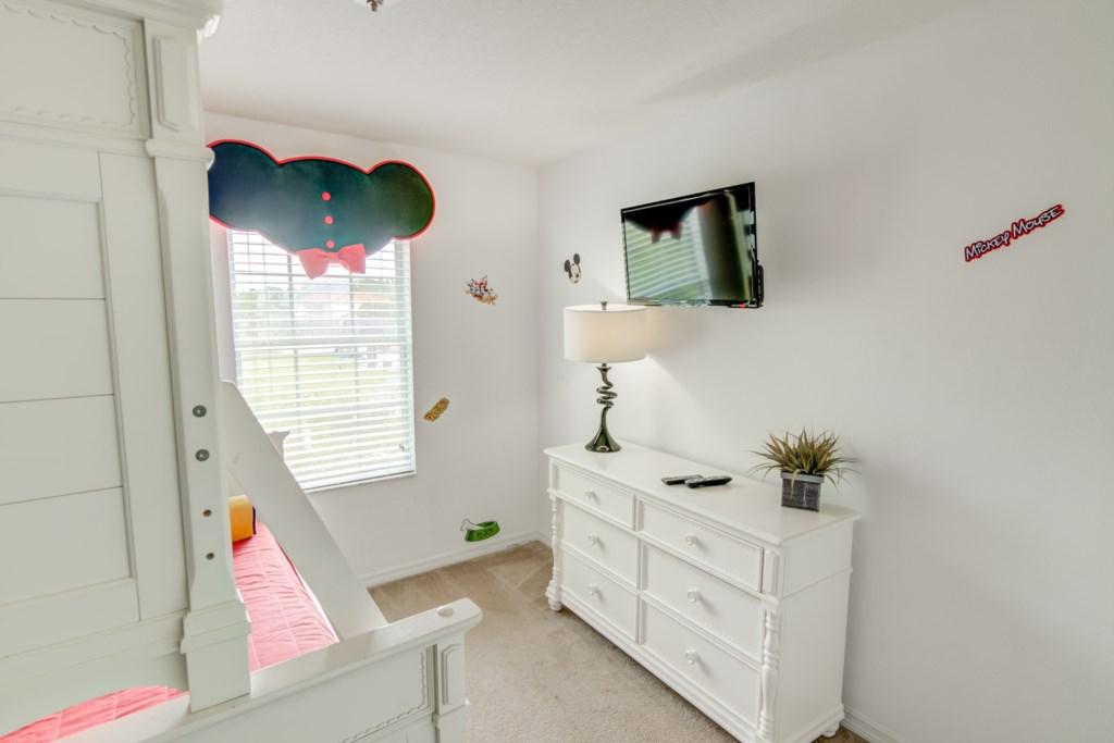 Aladdin - Bedroom 2 (2)