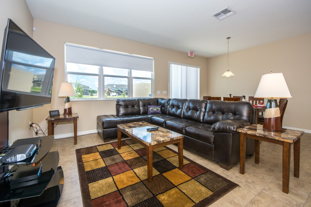 Head North to our 4 Bed in Compass Bay!