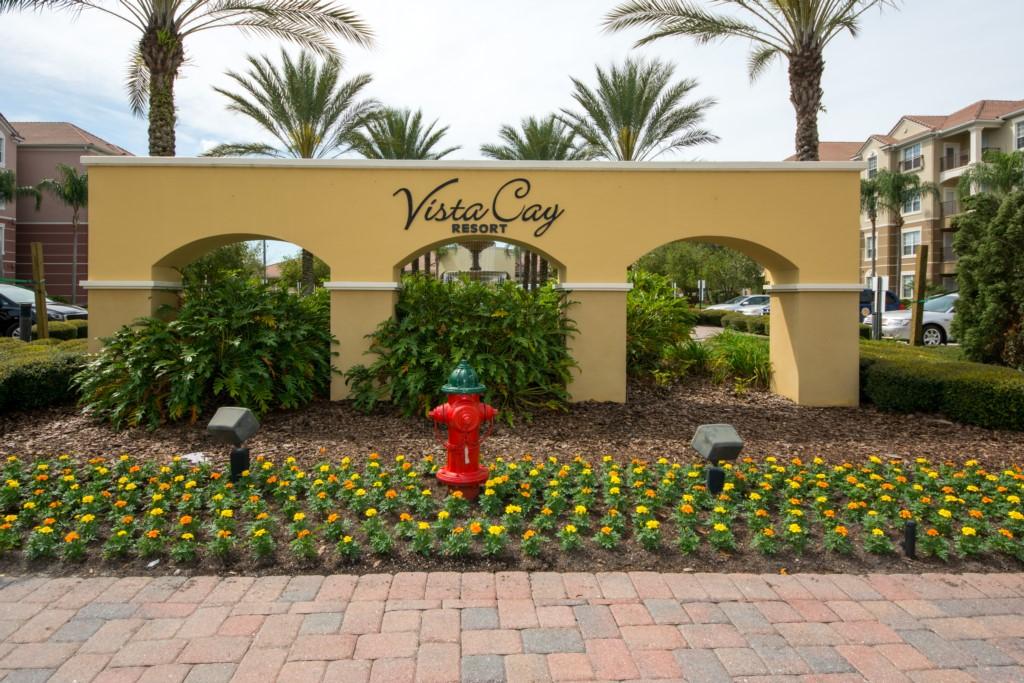 Vista Cay - Neighborhood