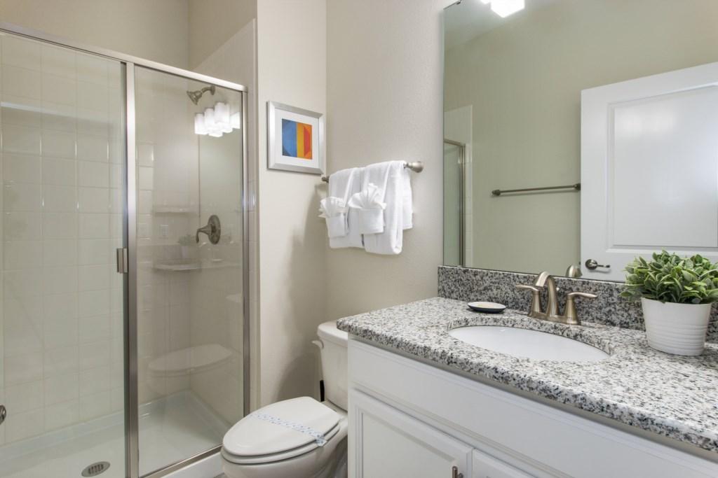 12_Bathroom_0721.jpg