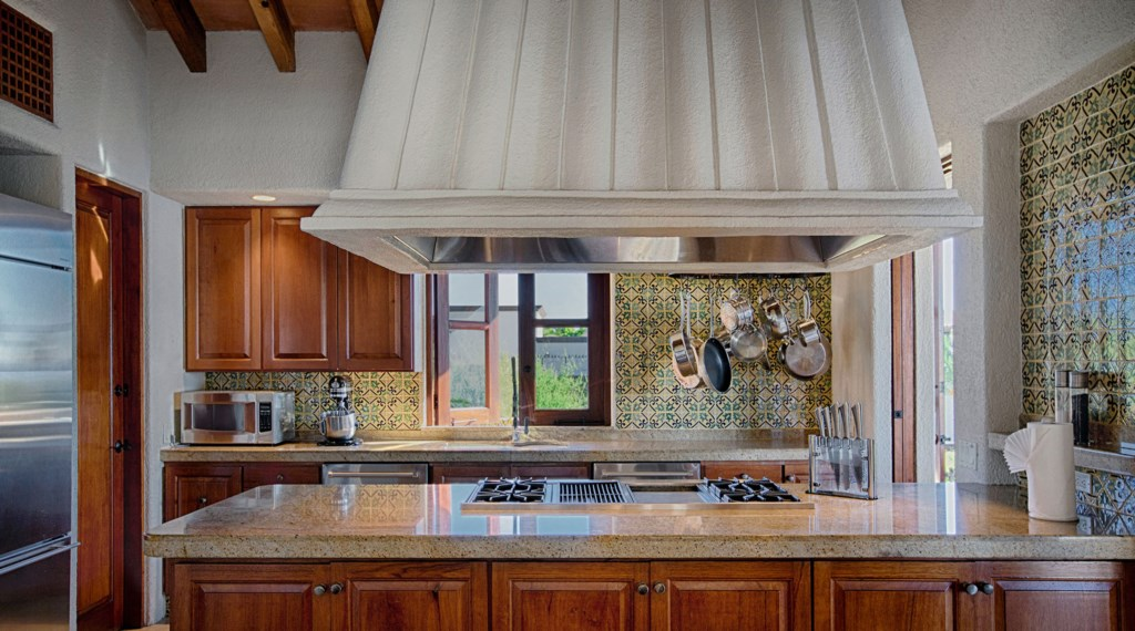 Casa-Brooks-Kitchen.jpg