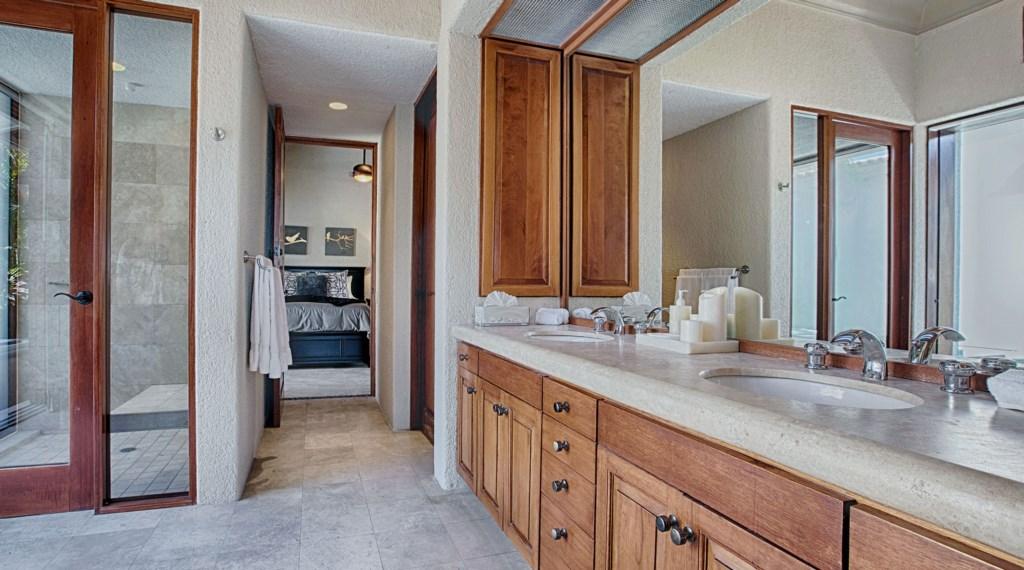 Casa-Brooks-Master-Bath.jpg
