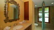 Casa-Brooks-Bathroom.jpg