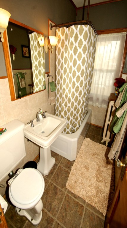 Upper Bathroom