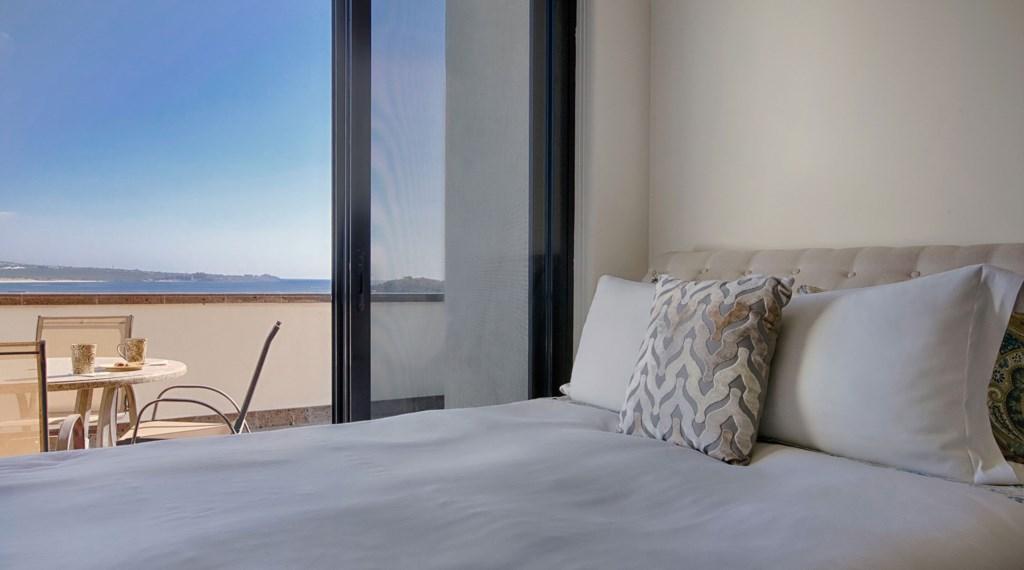 Villa-Vegas-Dave-Bedroom3.jpg