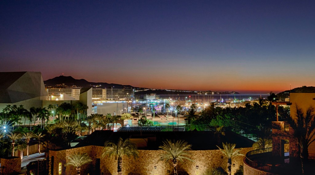 Villa-Vegas-Dave-Night-View.jpg
