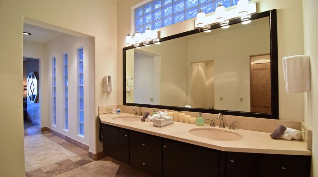 Villa-Vegas-Master-Bath.jpg