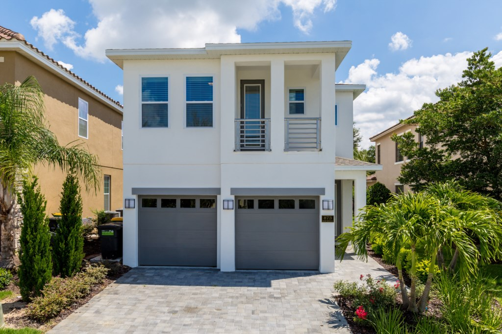 01_Front_of_Home_0721