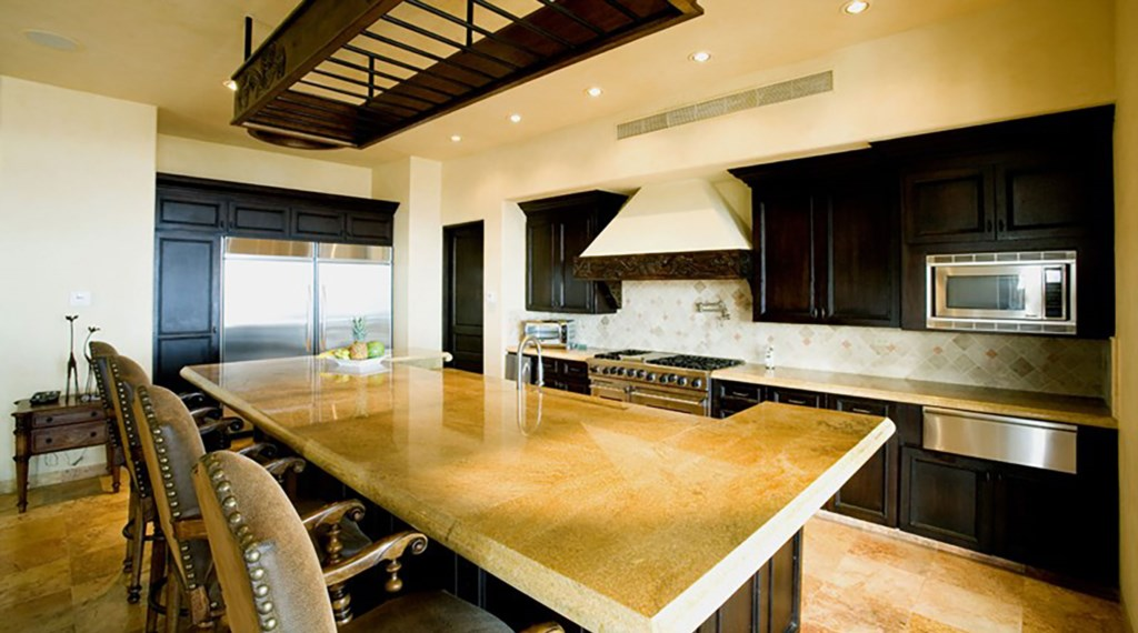 Villa-De-La-Suenos-Kitchen.jpg