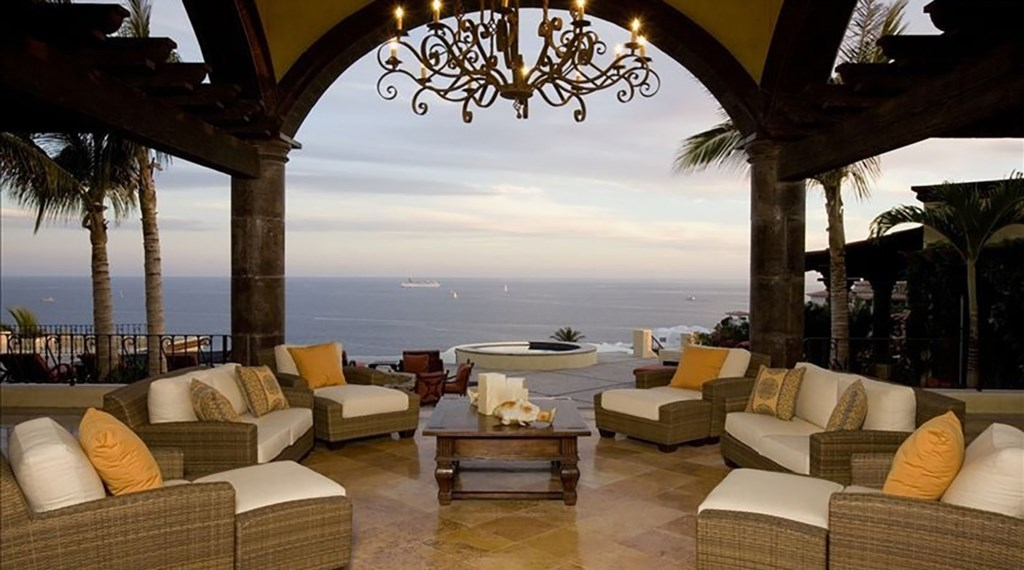 Villa-De-La-Suenos-Seating2.jpg