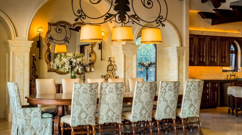 Casa-Milagros-Dining