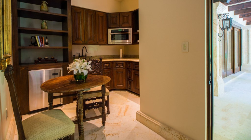 Casa-Milagros-Kitchenette