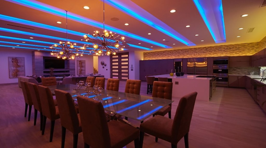 Villa-Lands-End-Dining-MoodLighting.jpg