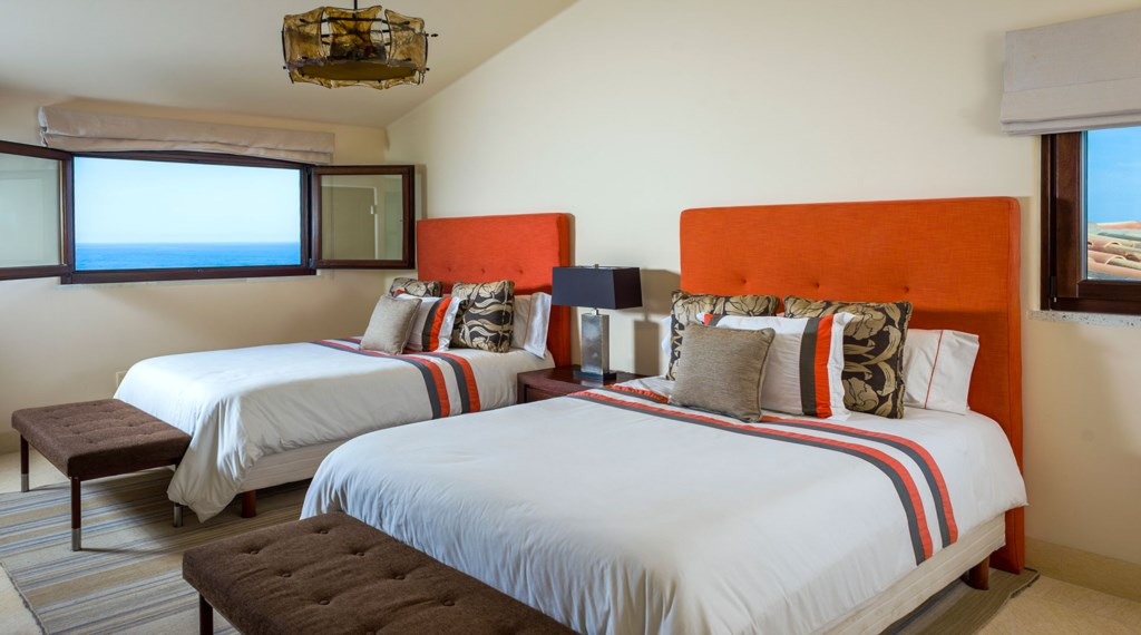 Casa-Fryzer-Bedroom5.jpg