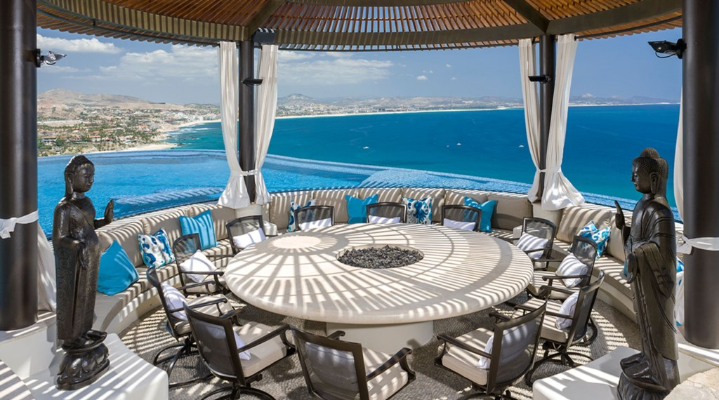 Casa-Fryzer-Outdoor-Dining.jpg
