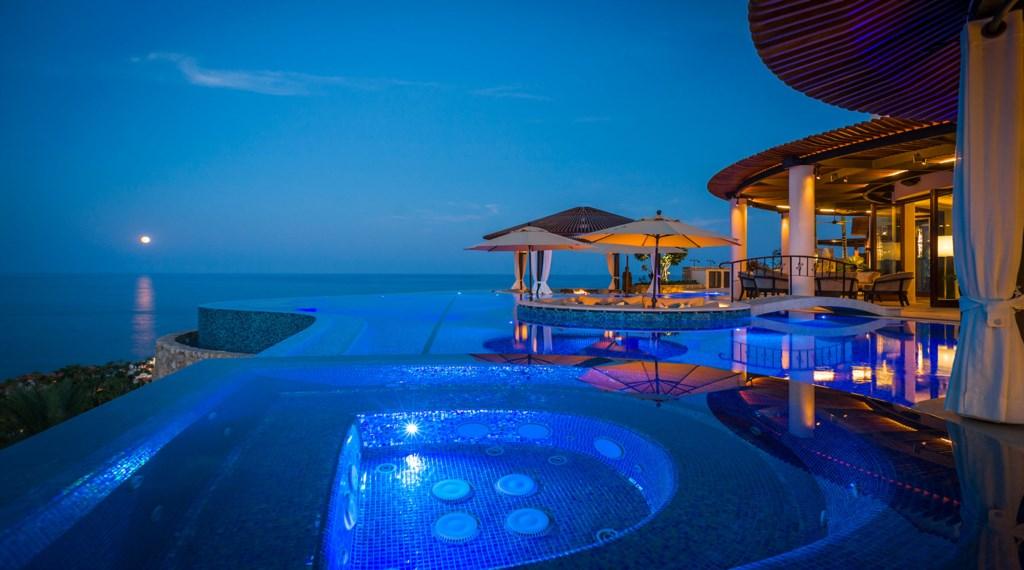 Casa-Fryzer-Pool-Night.jpg