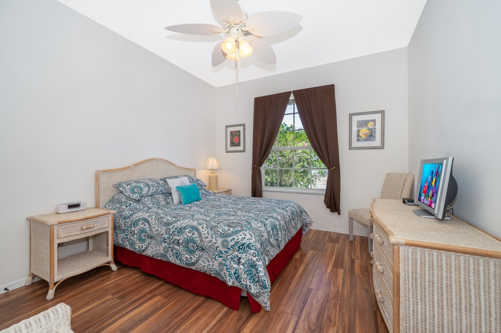 Queen Bedroom with Cable TV