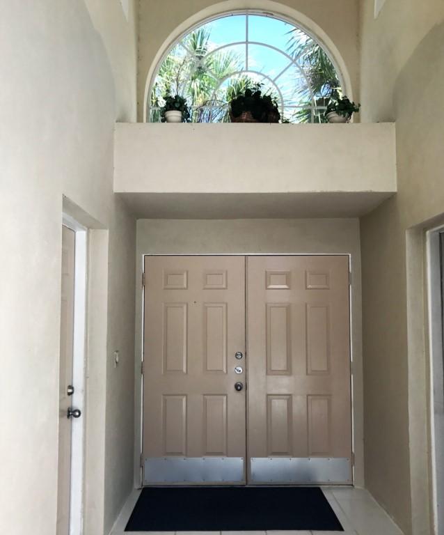 VillaCraysonInsideCourtyard3rdbedroomtotheright