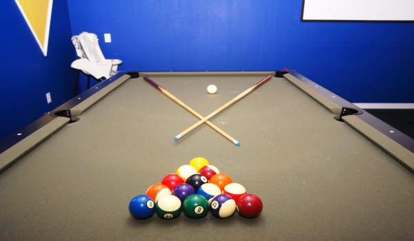 Garage Game Room - Billiards / Foosball / Basketball