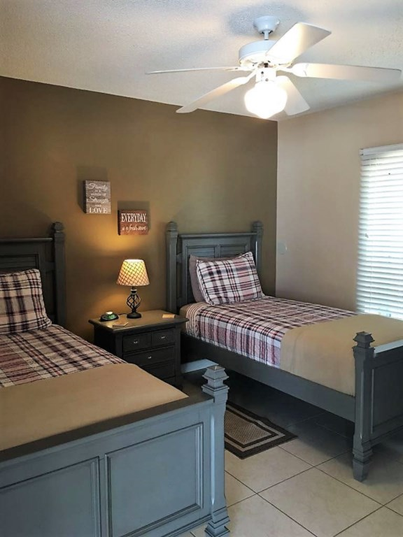 Twin Bed.jpg
