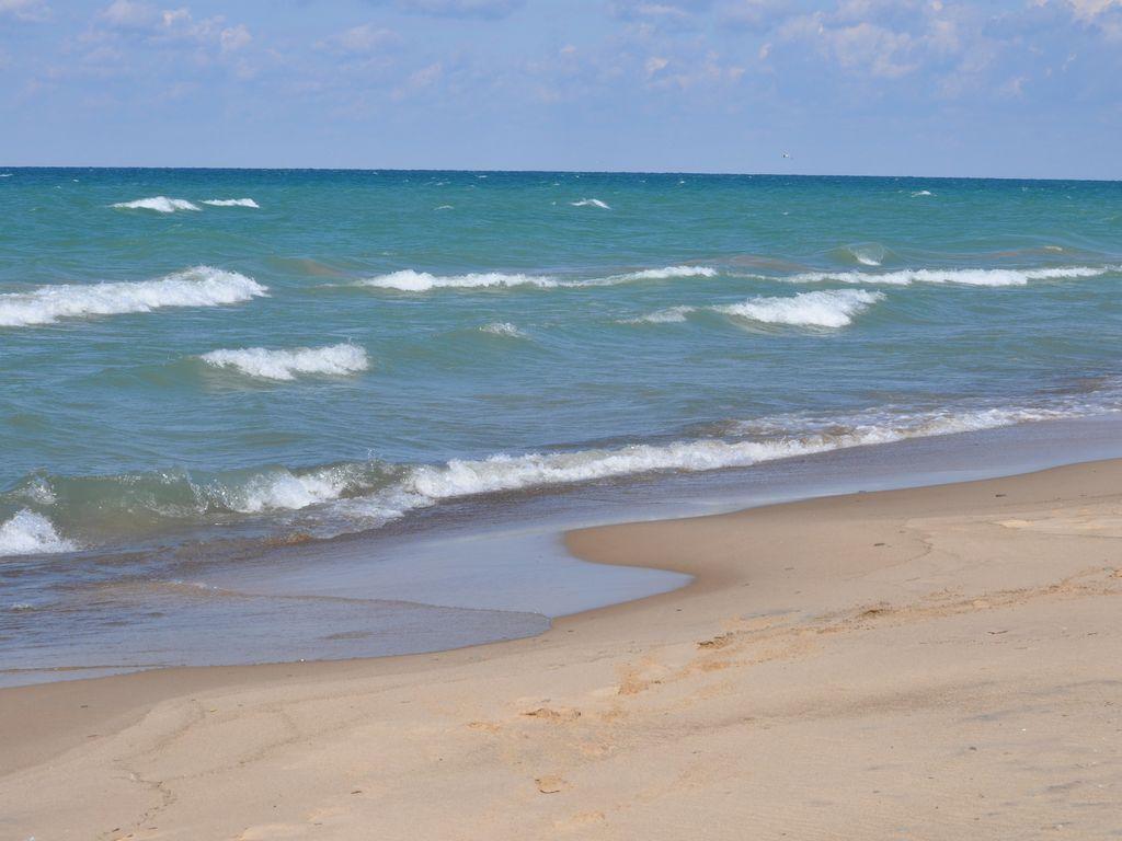 Lake Michigan a couple blocks away!