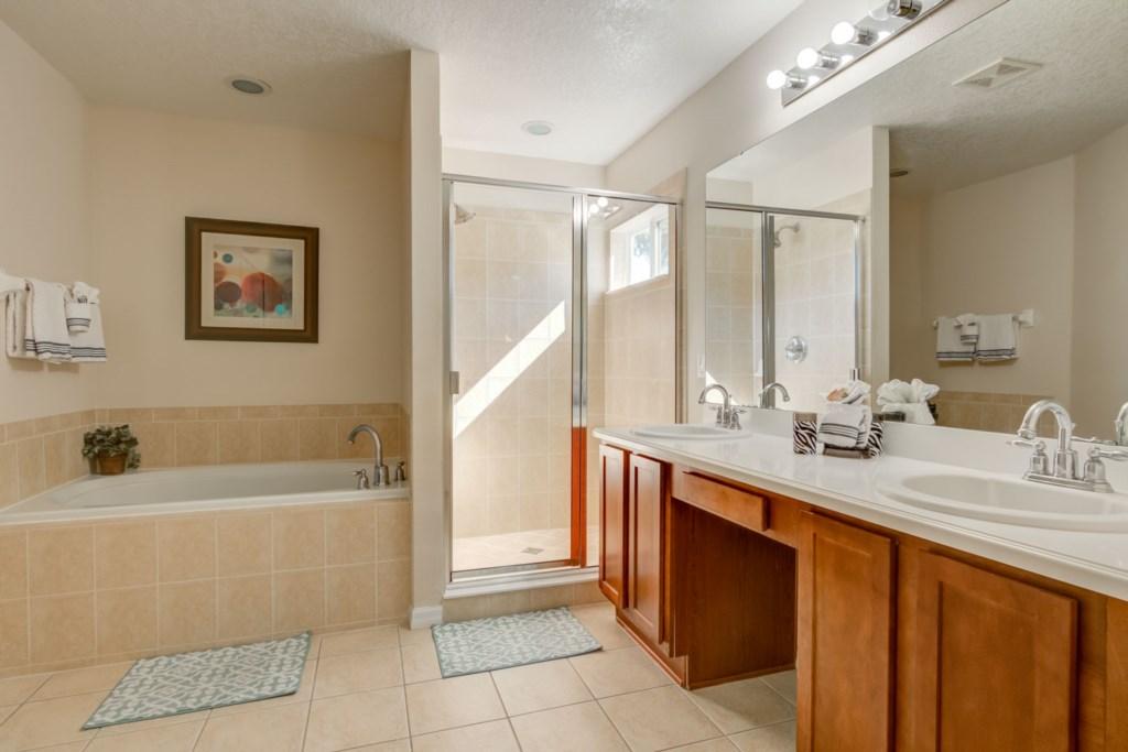 Paradise Villa - Paradise Villa - Master Bathroom