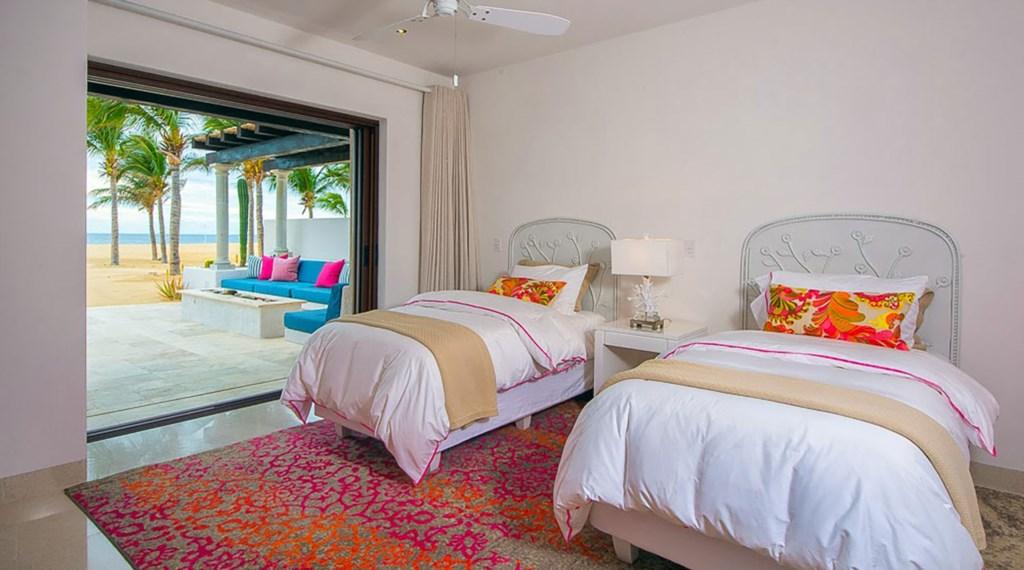 Villa-Pacifica-Bedroom4.jpg