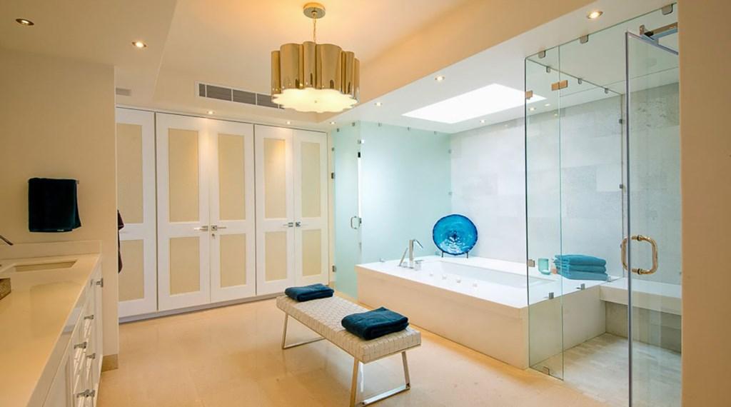 Villa-Pacifica-Master-Bath.jpg