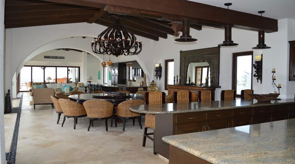 Casa-La-Laguna-Dining.jpg