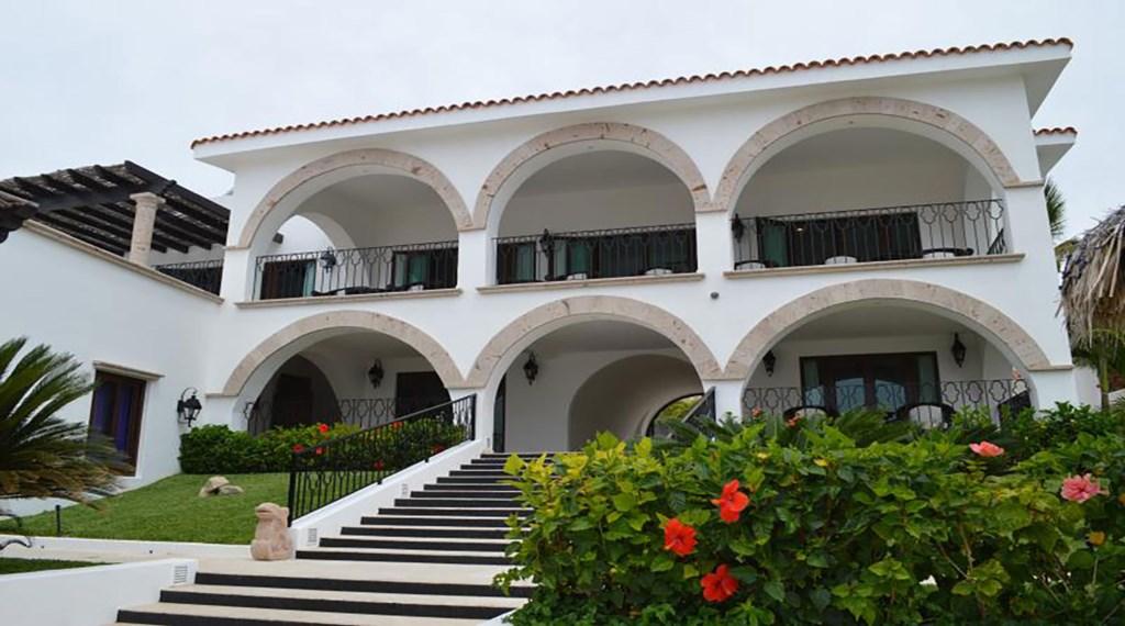 Casa-La-Laguna-Exterior.jpg