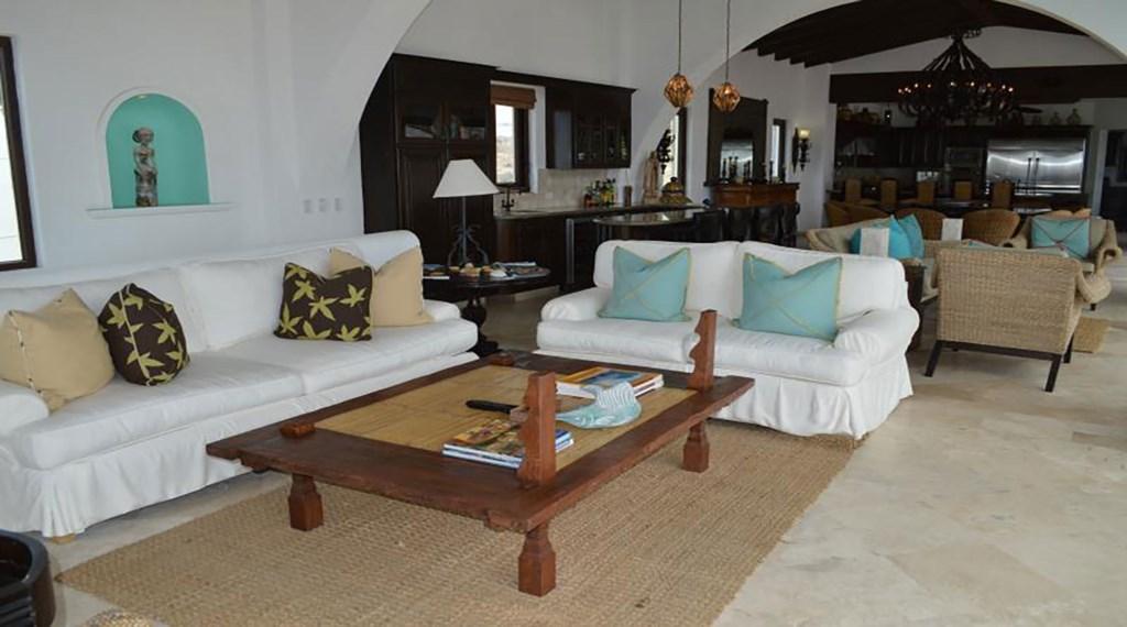 Casa-La-Laguna-LivingRm2.jpg