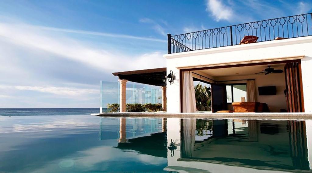 Casa-La-Laguna-Pool-View.jpg