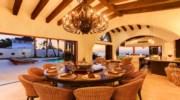 Casa-La-Laguna-Dining3.jpg