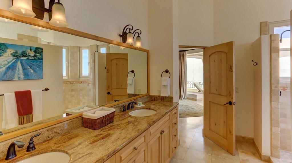 Casa-Esperanza-Bedroom5-Bath.jpg