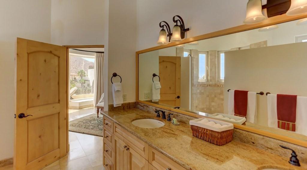 Casa-Esperanza-Bedroom6-Bath.jpg