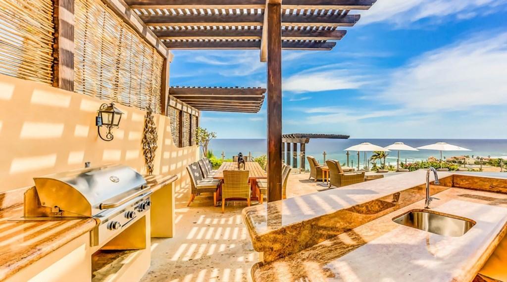 Casa-Esperanza-Exterior-BBQ-Bar-Dining.jpg