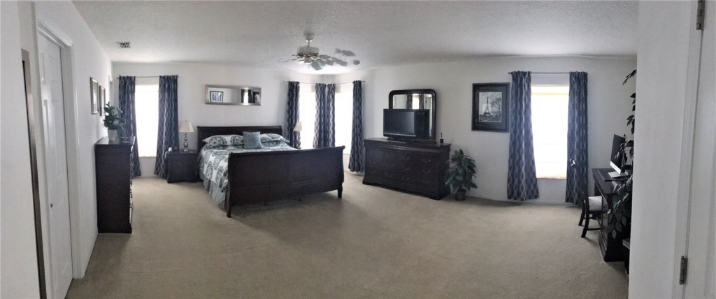 s8Masterbedroomwidepic